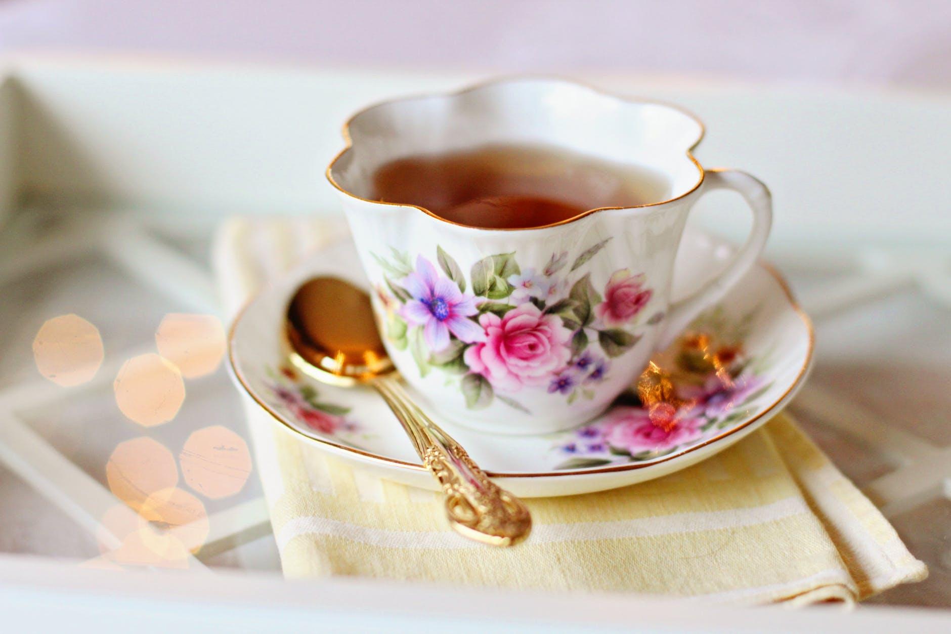 """Nếu """"cuppa"""" đứng một mình thì có nghĩa là một tách trà"""