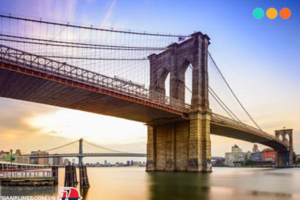 Truyện tiếng Anh cây cầu kỳ vĩ