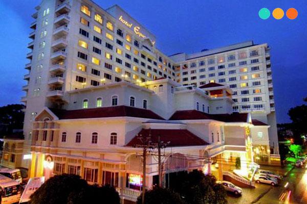 Đoạn văn mấu giới thiệu về khách sạn bừng tiếng Anh